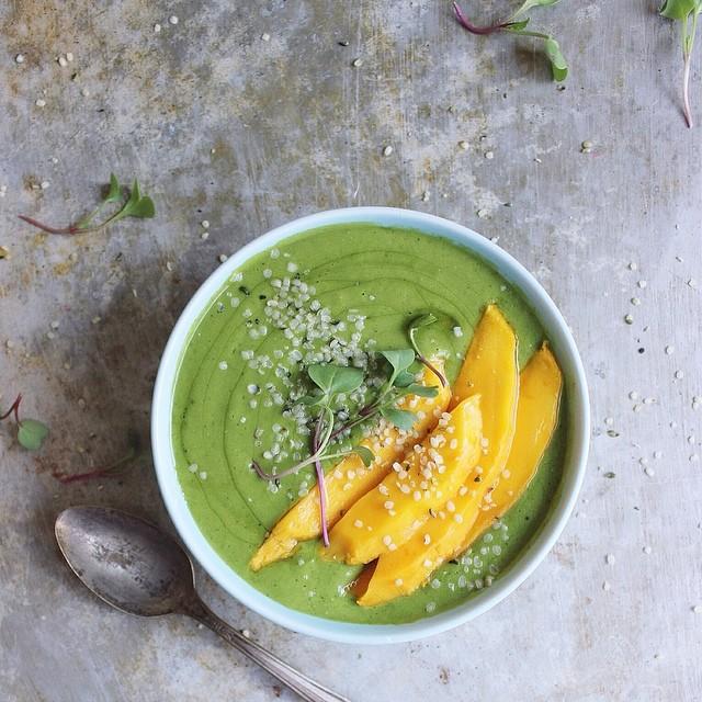 Banana Mango Green Smoothie Bowls