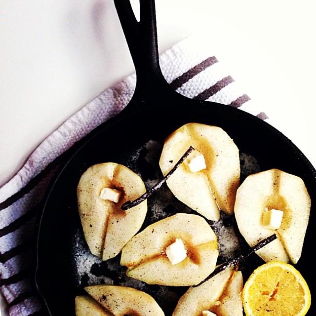 Vanilla Roasted Pears