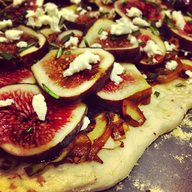 Roasted Fig, Balsamic Caramelized Onion, Chèvre & Rosemary Pizza