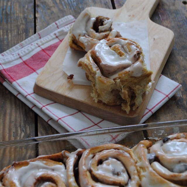 Cinnamon Rolls with Raisins