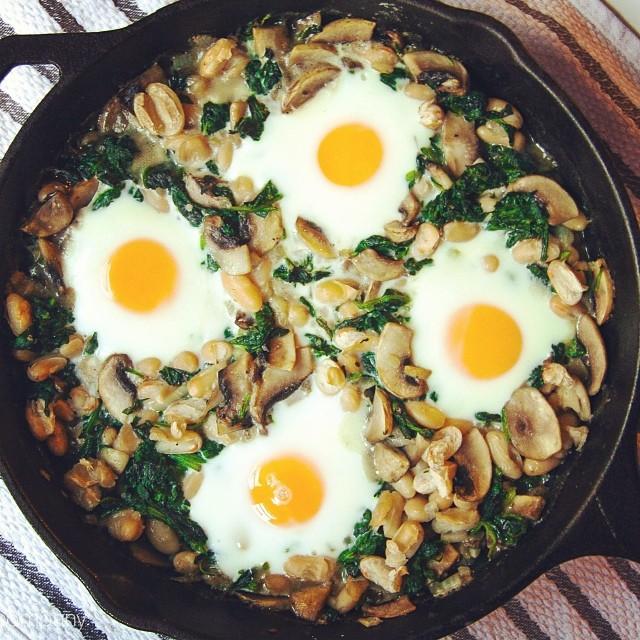 White Bean, Spinach, And Mushroom Egg Bake