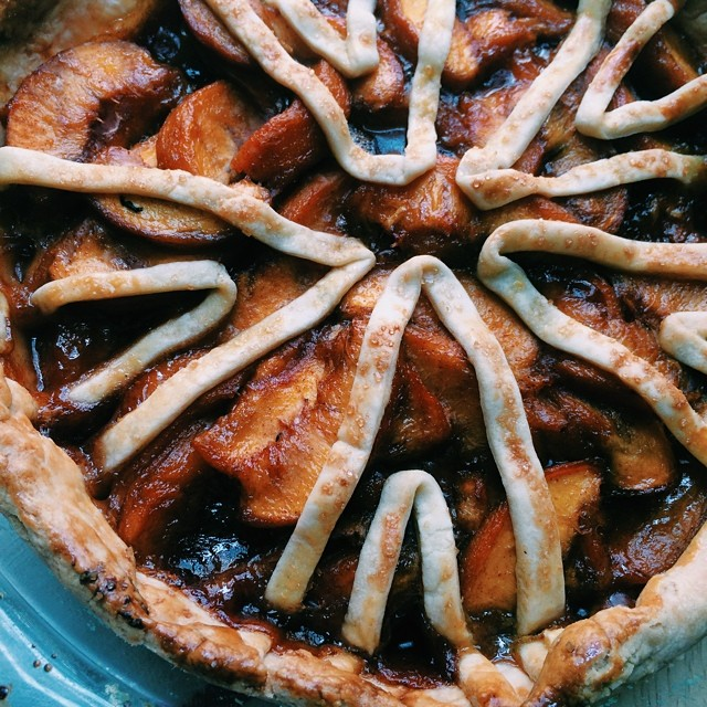 Grilled Peaches Paprika Pie