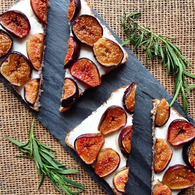 Roasted Honey-rosemary Fig & Mascarpone Tartine