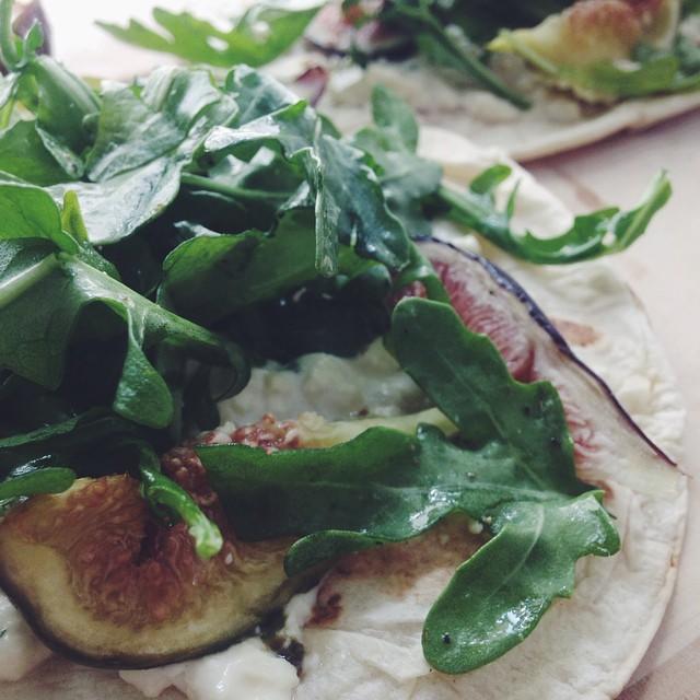 Grilled Fig And Arugula Flatbread