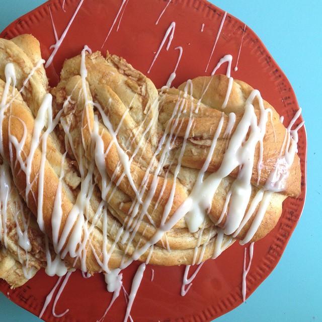 Apple Cinnamon Twist Bread