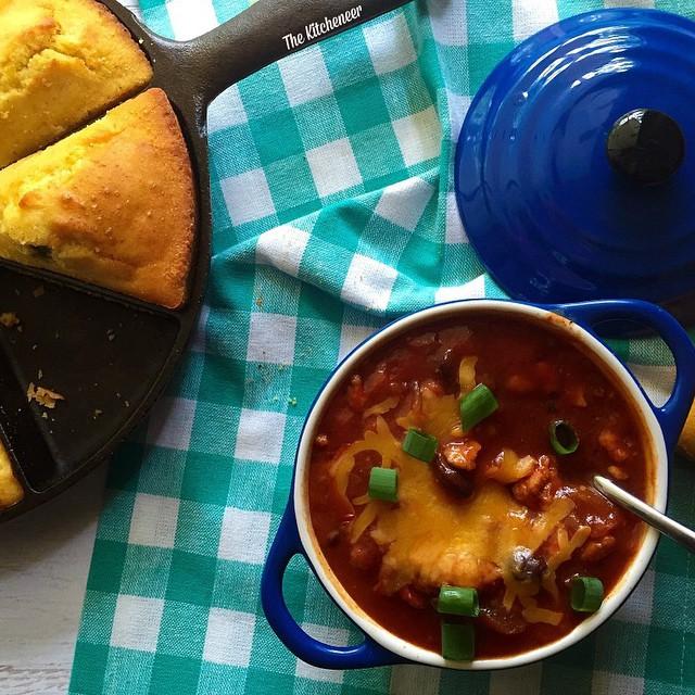 Sweet Heat Turkey Chili With Cheesy Jalapeño Cornbread