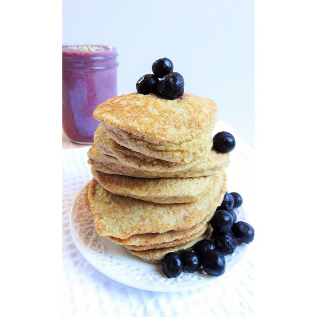 Cinnamon Silver Dollar Pancakes With Blueberries