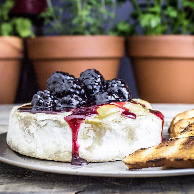 Baked Blackberry Brie