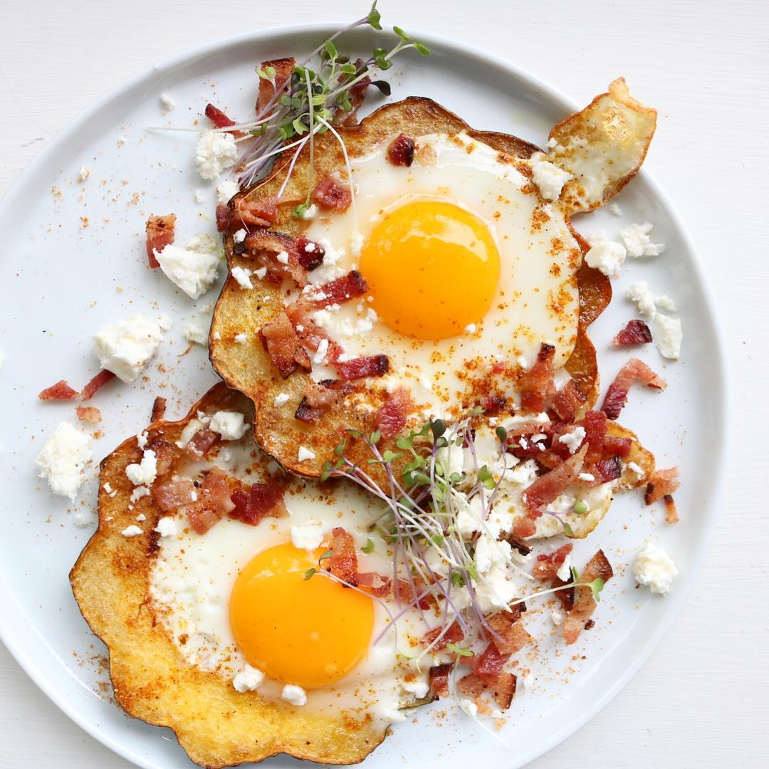 Acorn Squash Rings With Fried Eggs, Bacon And Feta