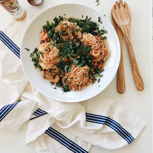 A pan seared garlic and seafood spaghetti salad made with @thelostandfounddept homemade pasta sauce…