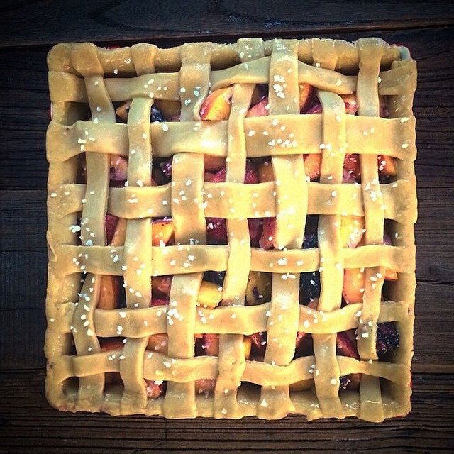 Dreaming of summer and this Peach & Blackberry Pie on a chilly and wet fall day. Think I'd sprinkle…
