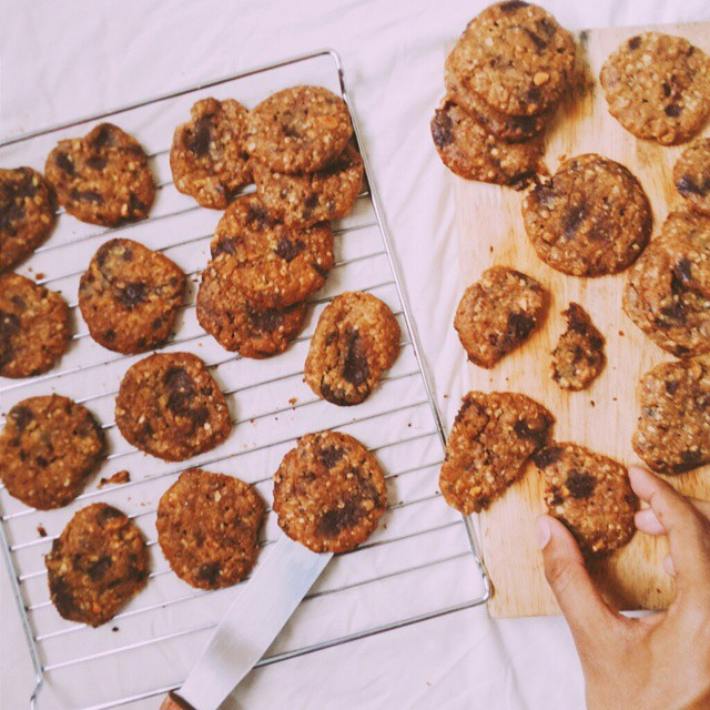 Browned Butter & Peanut Butter Cookies With Oatmeal & Chocolate