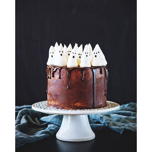 Halloween Pumpkin Cake With Salted Chocolate Ganache Meringue