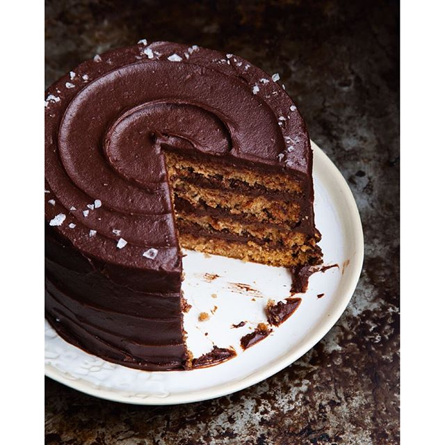 Drool-worthy Pear Cake with Chocolate Hazelnut Frosting and Maldon sea salt. Made from Italian…