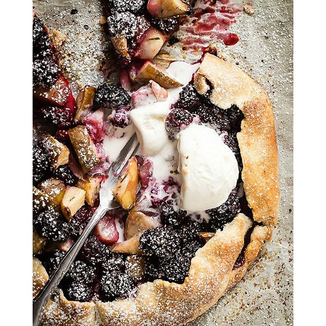 BlackBerry and Pear Galette with a sprinkle of fresh rosemary ?? Recipe on the blog (link in…