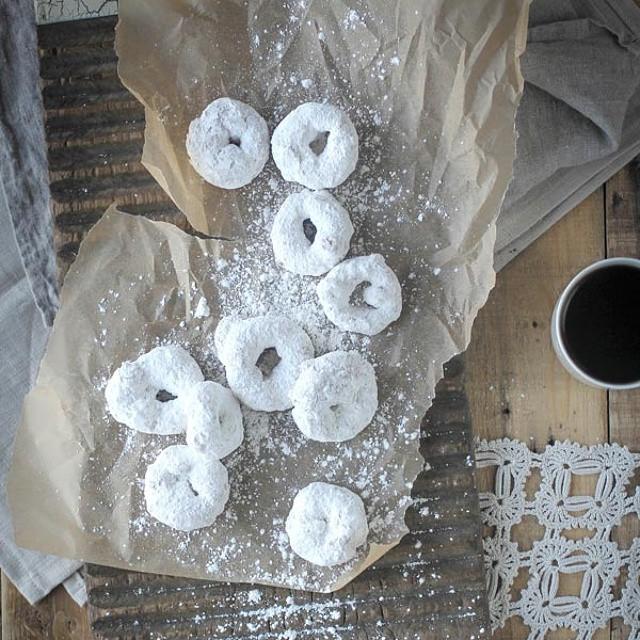 Gluten Free Vanilla And Powdered Sugar Donuts