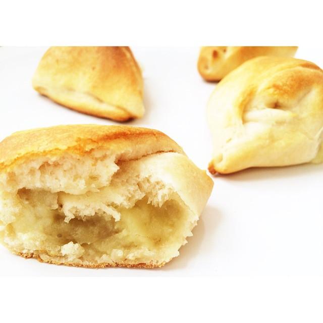 Garlic Mashed Potato Stuffed Crescent Rolls