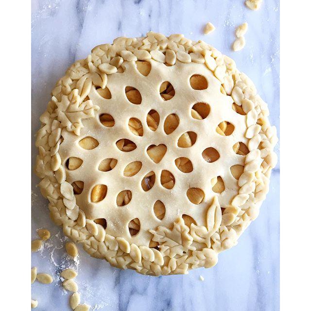 Apple Cider Caramel Pie