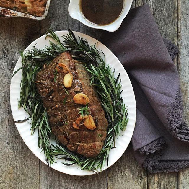 Christmas Roast.Christmas Roast Beef