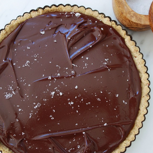 I'm thinking about whether to make this chocolate caramel tart for Thansgiving. It has an easy…