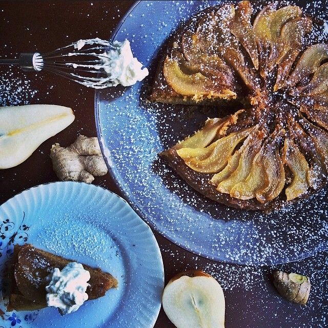 Upside-down Caramelized Pear Cake With Ginger & Cinnamon