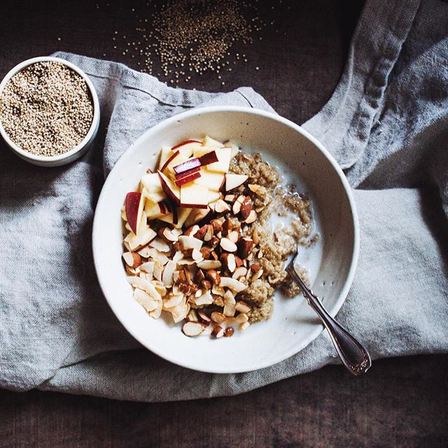 Golden Quinoa Breakfast Bowl | Warm, nutty quinoa cooked in coconut milk is the perfect winter…