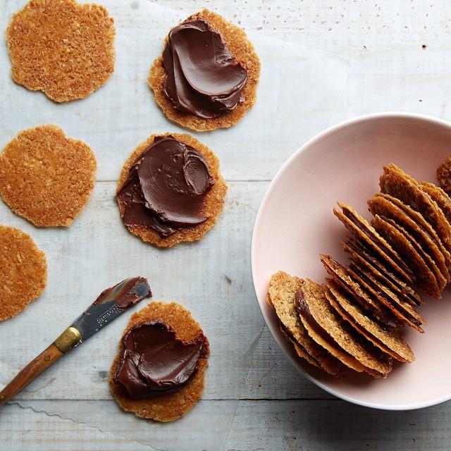 Lacey Oat Sandwich Cookies