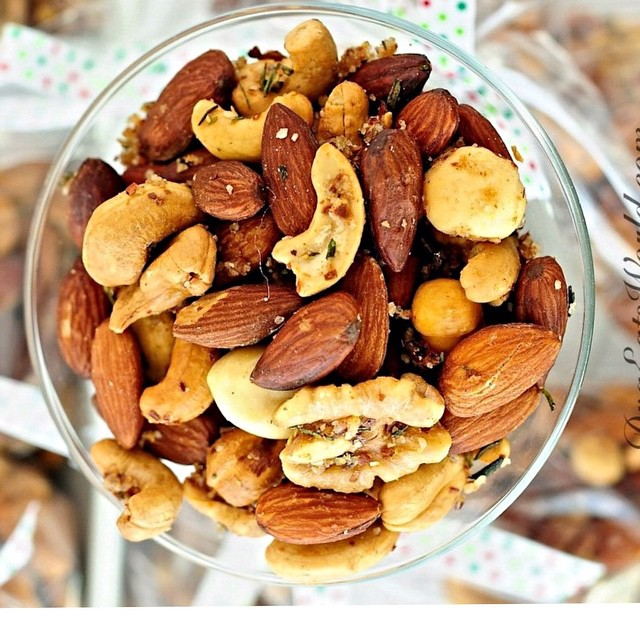 Roasted Rosemary & Cayenne Nuts