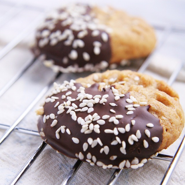 Chocolate Dipped Sesame Seed & Peanut Butter Miso Cookies