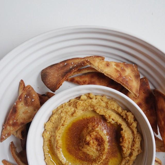 Garlicky Paprika Hummus