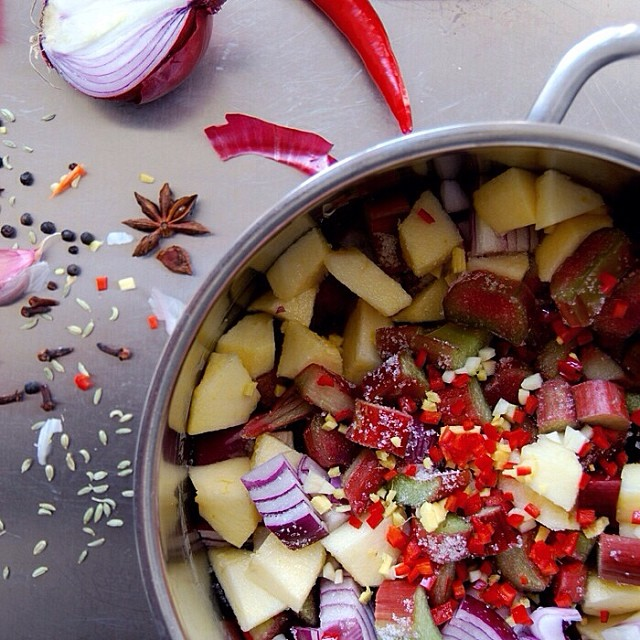 Spicy Rhubarb Chutney With Red Onion & Apple
