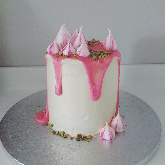 How to Create a Macaron Cake How to Create a Macaron Cake new photo