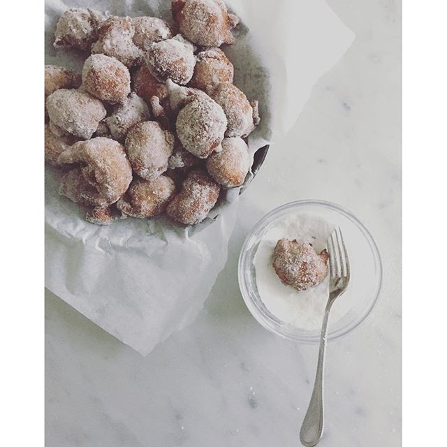 Castagnole! These fritters, named for their chestnut shape, are a classic sweet treat for Carnevale…