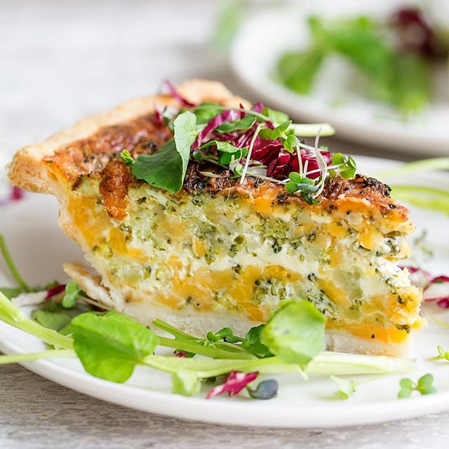 Broccoli And Cheddar Quiche With A Cracker Crust