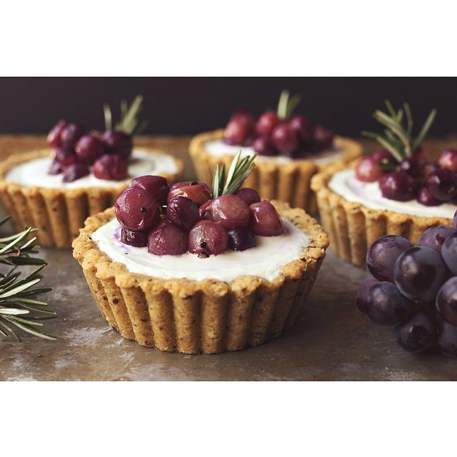 Grain-free Mini Goat Cheese Tarts With Roasted Grapes & Rosemary