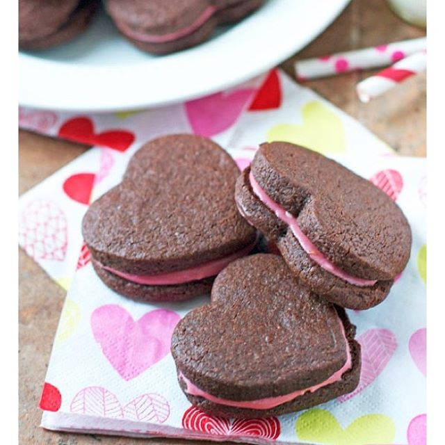Chocolate Cookies Stuffed With Raspberry Cream Cheese Frosting