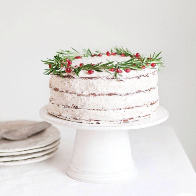 Gluten Free Gingerbread Wreath Cake