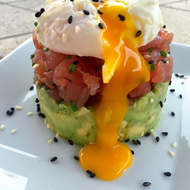 If Tuna Tartare and Eggs Benedict had a baby, this would be it. What do you say, @eggsgge  Avocado…