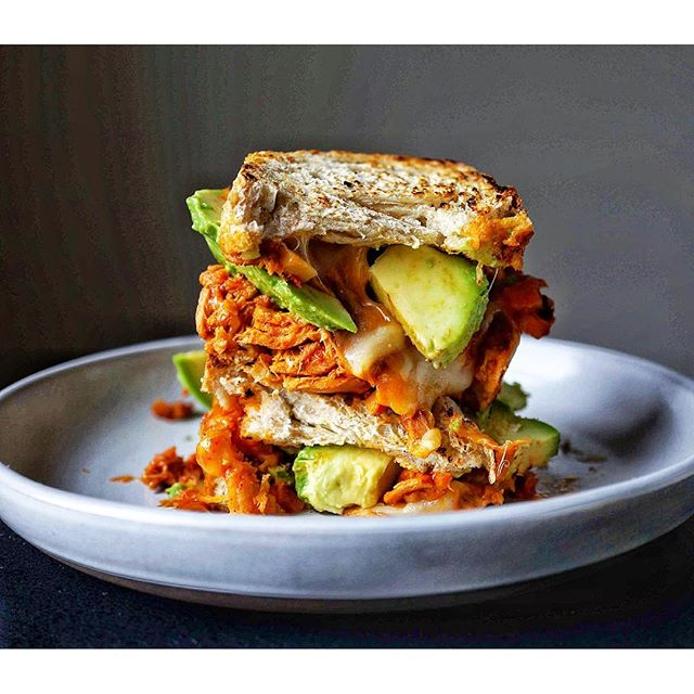 Staying in pjs all day with my ?lunch. Spicy gochujang tuna melt sandwich with avo!  고추 참치 치츠 튜나멜트…