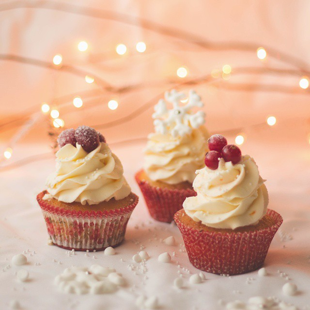 Orange, Cranberry & Red Currants Cupcakes With Mascarpone Cheese Frosting