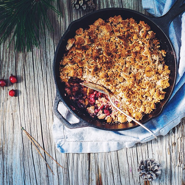 Cranberry Persimmon Crumble