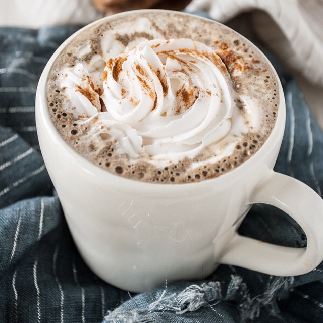 Gingerbread Lattes With Whipped Cream