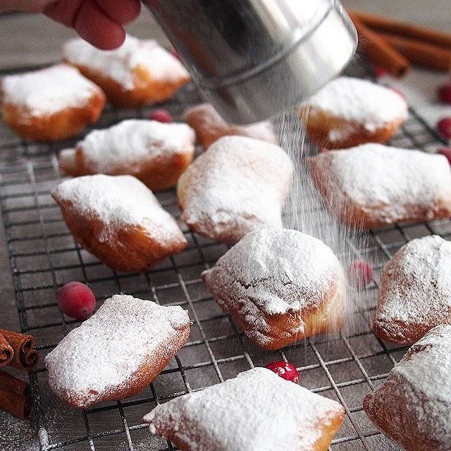 Greek yogurt beignets. Just sayin, in case you need a holiday breakfast idea. Recipe now on the…