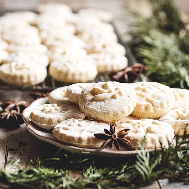Springerles (german Anise Cookies)
