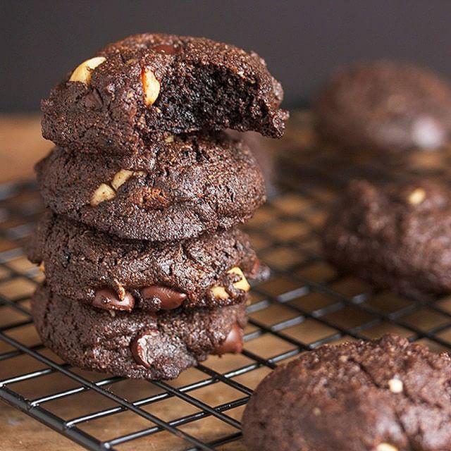 Double Chocolate & Macadamia Nut Cookies