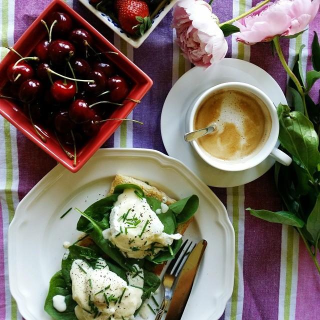 Eggs Florentine With A Lemon Hollandaise Sauce
