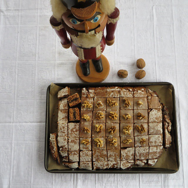 German Gingerbread / Lebkuchen Bars