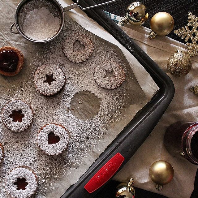 Mixed Berry Linzer Cookies