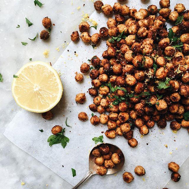 Spiced Tahini Roasted Chickpeas