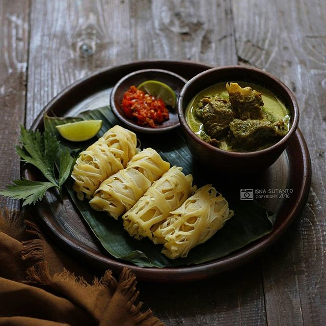 Indonesian-style Crepes (roti Jala)